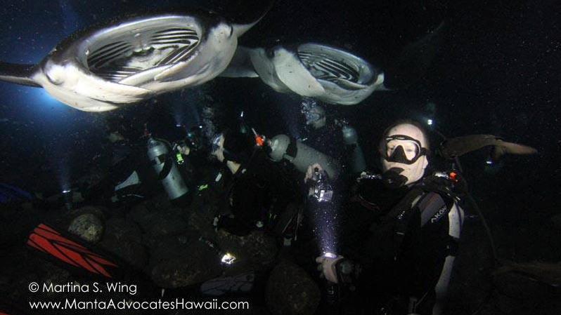 Fins to Spurs, Martina Wing, divemaster on night manta ray dive, kona, hawaii, group shot